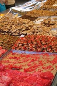 Una muestra de los pasteles y dulces malteses, pastizzi, honey rings, etc... Foto de Isla Malta.