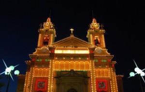 La iglesia de Qala durante las fiestas patronales. Foto de Norbert Grima.