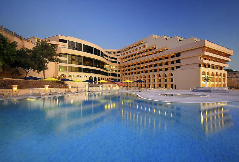 Resort con piscina en Malta
